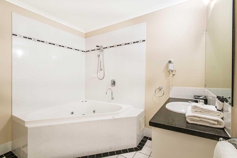 Indoor Spa Tubs - Cintinel.com