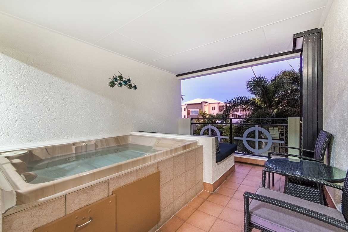 2 Bedroom & 2 Bathroom with Jacuzzi Spa